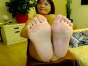 Mature Feet Webcam